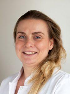 Dominique - Praxisassistentin, Einzelhandelskauffrau